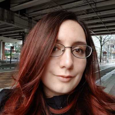 Graphic and Web Designer Mikaylla Stephens